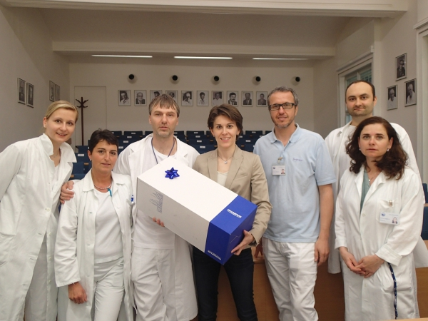"The Apolena Foundation donated already ten top laparoscopic instruments to the clinic ""U Apolináře"""